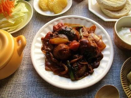 GABANスパイスの『タイム』を使って、豚肉と野菜たっぷりのブラウンソース煮込み♪_a0305576_23323189.jpg