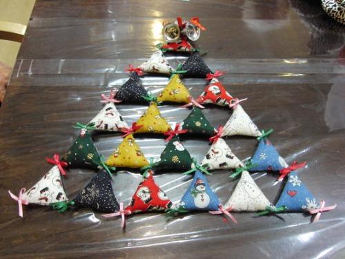 キルト教室 ~ キルトのクリスマスツリー作品 ~ _e0222340_15441643.jpg