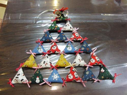キルト教室 ~ キルトのクリスマスツリー作品 ~ _e0222340_15455559.jpg