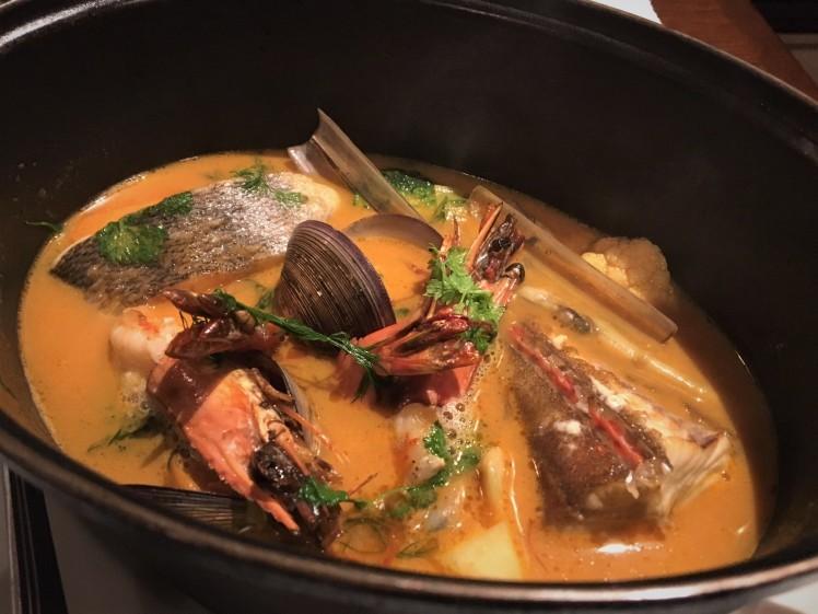 広尾「ビストロシロ」シックな新店舗で独創的な魚料理_b0354293_00323709.jpg