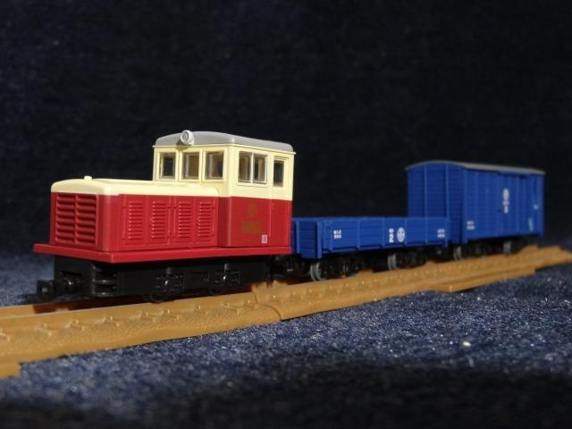 富井電鉄猫屋線 貨物列車旧塗装_a0359818_18060748.jpg