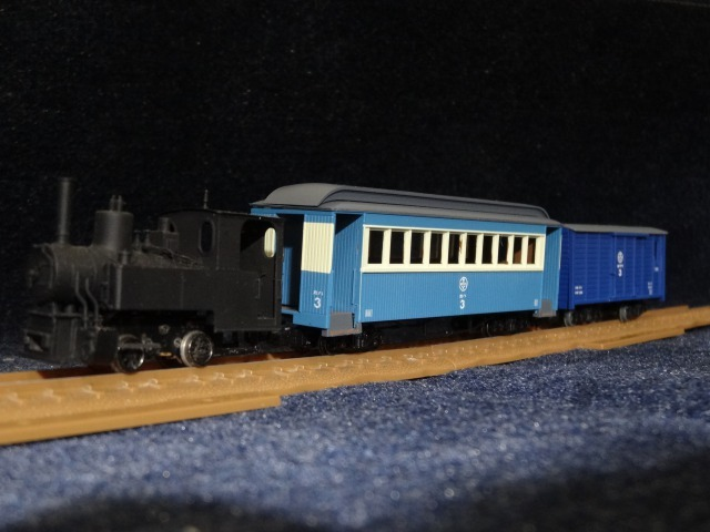 富井電鉄猫屋線 貨物列車旧塗装_a0359818_18191541.jpg