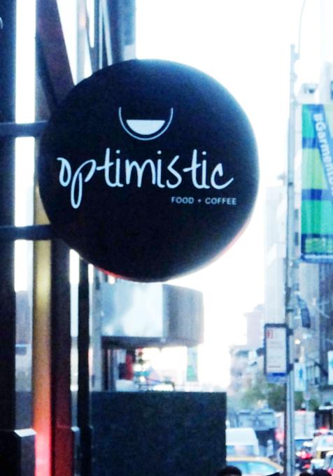 「Optimistic」(楽観的)という名のニューヨークのカフェ_b0007805_0515113.jpg