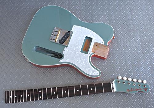 「Turquoise MetallicのStandard-T」の塗装が完了です!_e0053731_16111321.jpg