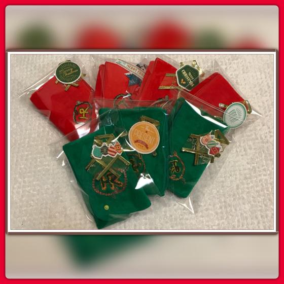 クリスマスカラーのミニタオル発売決定!_e0078743_00261043.jpg