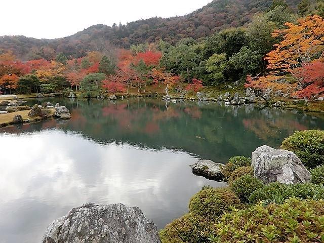 藤田八束の鉄道写真@京都の秋・・・天龍寺を訪ねて、冠雪した青森の霊峰岩木山_d0181492_08322719.jpg
