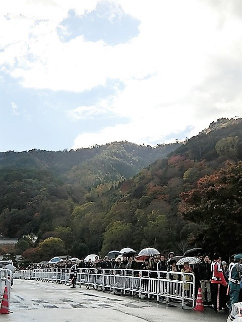 藤田八束の鉄道写真@京都の秋・・・天龍寺を訪ねて、冠雪した青森の霊峰岩木山_d0181492_08401008.jpg
