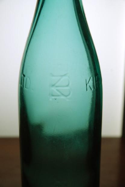 ビール瓶じゃっ! その2_d0359503_22223830.jpg