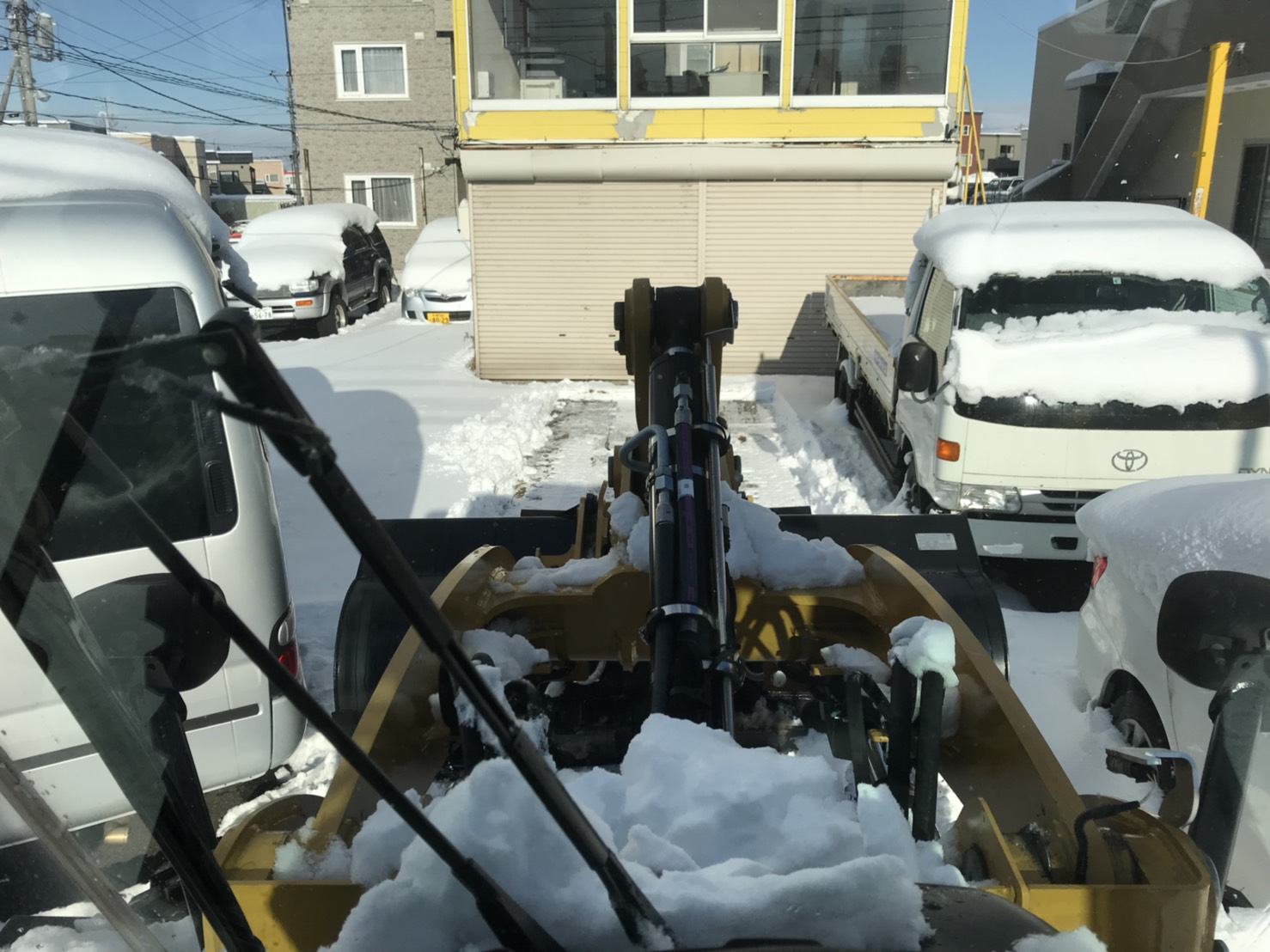 12月5日 火曜日のひとログ(´▽`) 除雪シーズン到来!!除雪車リース承り〼!自社ローン☆_b0127002_1651257.jpg