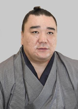 【相撲】鳥取県警は日馬富士の起訴を求める「厳重処分」の意見を付けるとみられる 一両日中にも書類送検_b0163004_10553125.jpg