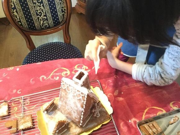 大人かわいいお菓子の家_e0071324_20102774.jpeg