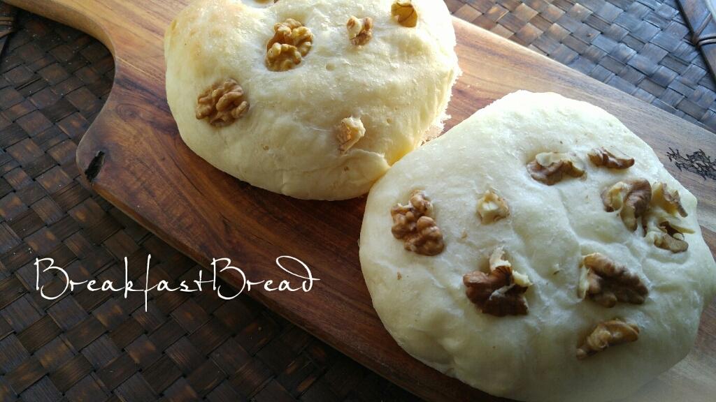 くるみ白パンの朝ごパン_c0124528_07401011.jpg