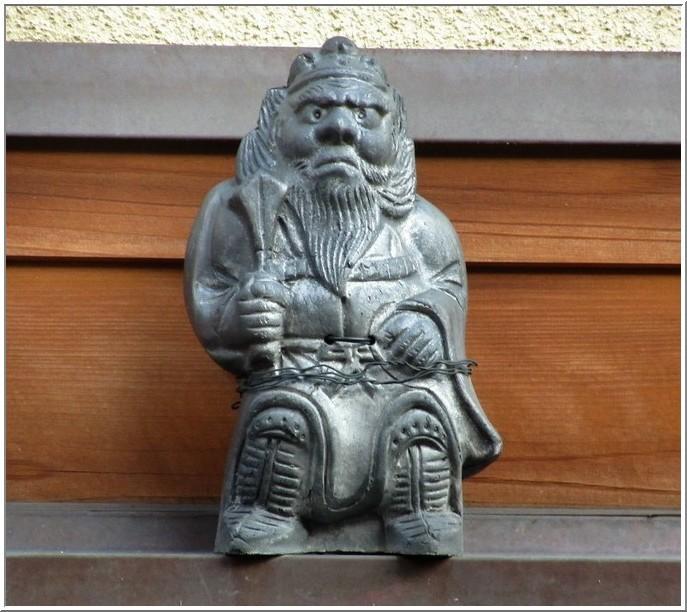 京都・高瀬川四季airで開催中の「洛中の鍾馗さんと鬼瓦展」を観る_b0104092_15562782.jpg