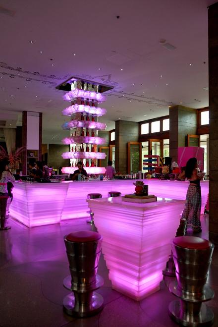 バリでWホテルのサンデーブランチ! _f0179404_21302039.jpg