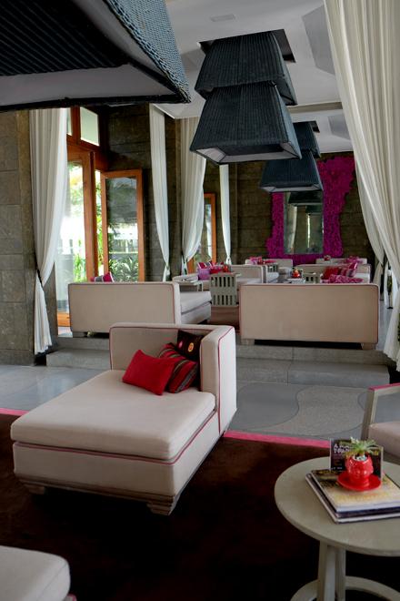 バリでWホテルのサンデーブランチ! _f0179404_21310099.jpg