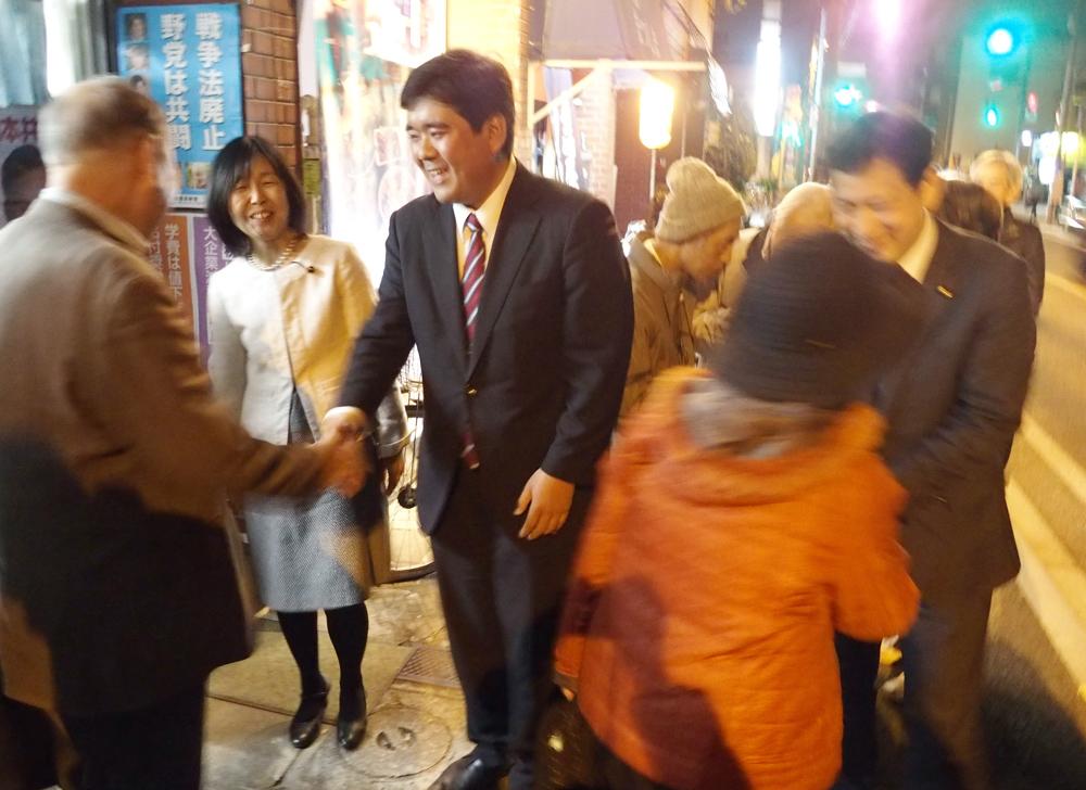 熱気と明るさいっぱい 北村りゅうたさん事務所びらき_b0190576_23190658.jpg