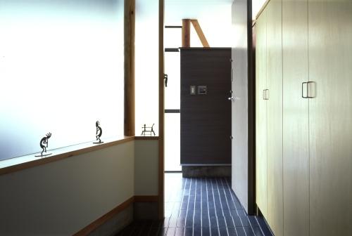 玄関の壁面収納_c0070136_11415216.jpg