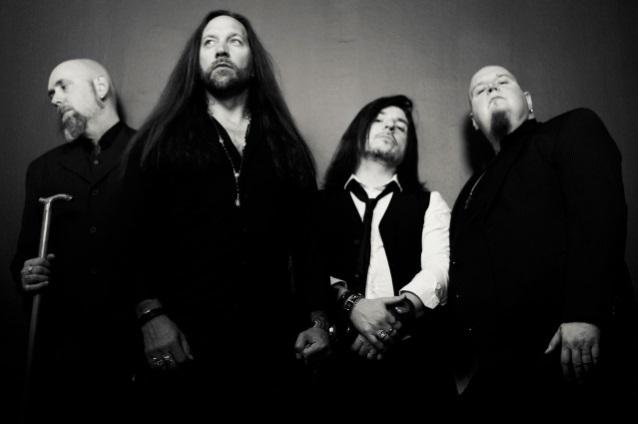 In Flames/元Firewindのメンバーのバンドがデビュー_b0233987_17324312.jpg