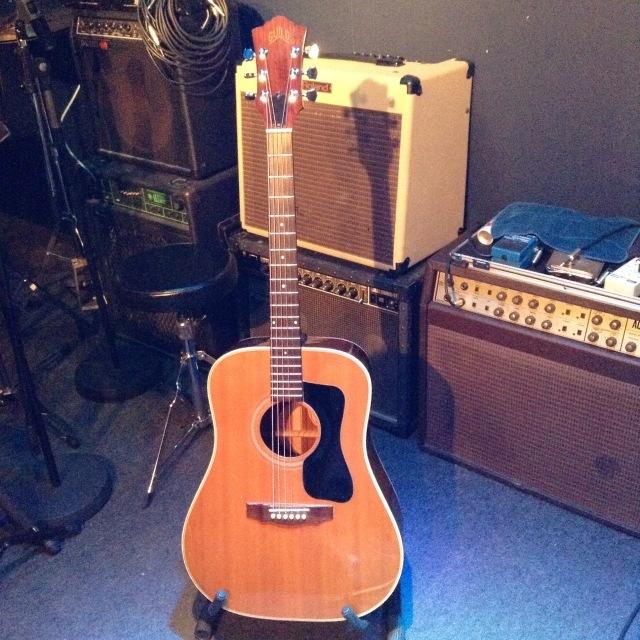 Guild D-40 1972「使える」ギターとは?_a0334793_18563062.jpg