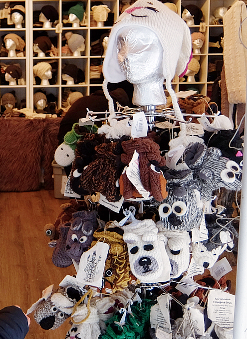 今年誕生したNYの新しいホリデー・マーケットの1つ、Garment District Holiday Market_b0007805_221531.jpg