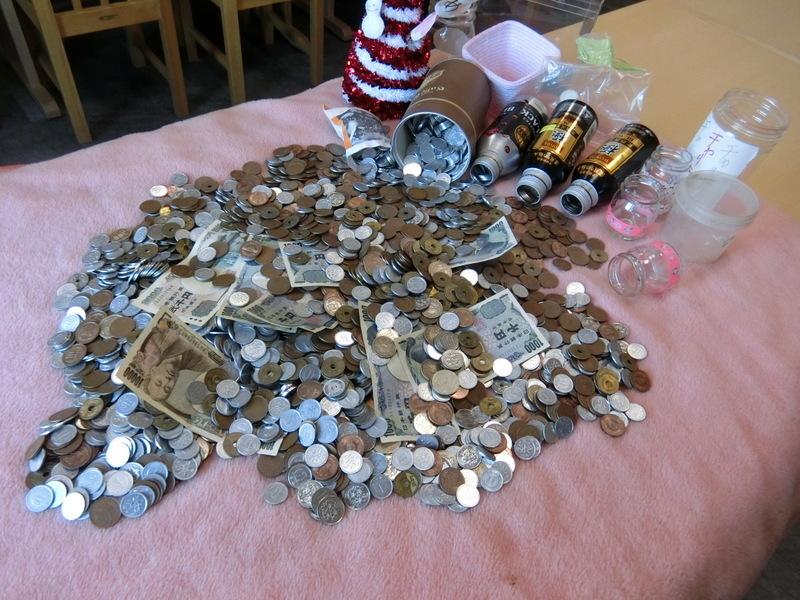 12月13日(金)明日は1円チャリティーの日です_d0278912_21334040.jpg