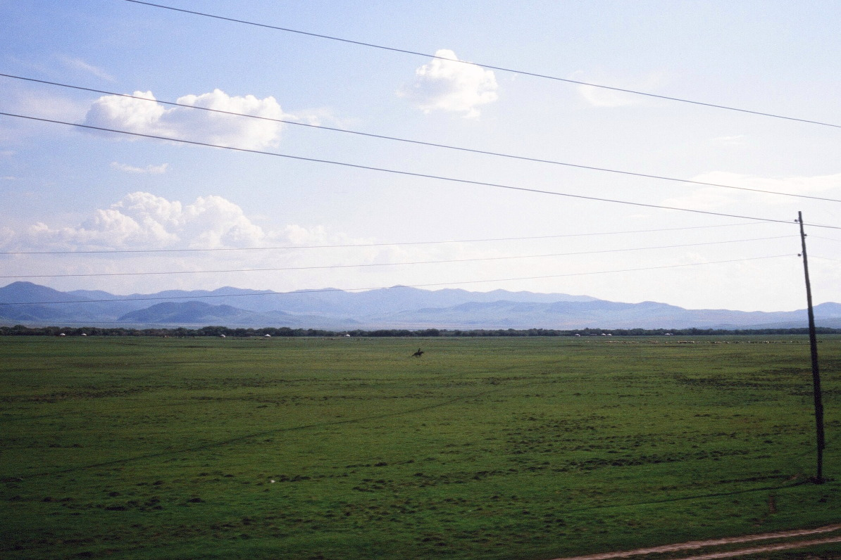【大陸横断2000その13】北京~モスクワ  モンゴルの草原を北へ_b0061717_21222234.jpg