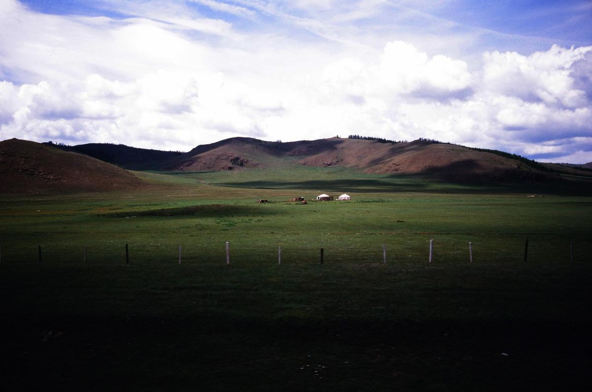 【大陸横断2000その13】北京~モスクワ  モンゴルの草原を北へ_b0061717_2122652.jpg