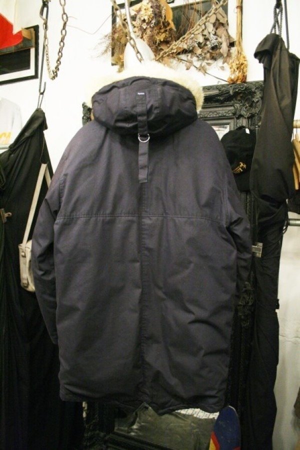 ヨーロッパ買い付け後記34 お待たせしました!恒例のアレ、出ます! 入荷SUPREME ジャケット、パンツ、キャップ、ニットキャップ_f0180307_17531035.jpg