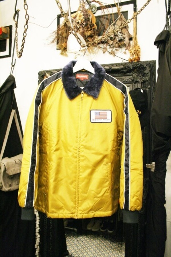ヨーロッパ買い付け後記34 お待たせしました!恒例のアレ、出ます! 入荷SUPREME ジャケット、パンツ、キャップ、ニットキャップ_f0180307_18543916.jpg
