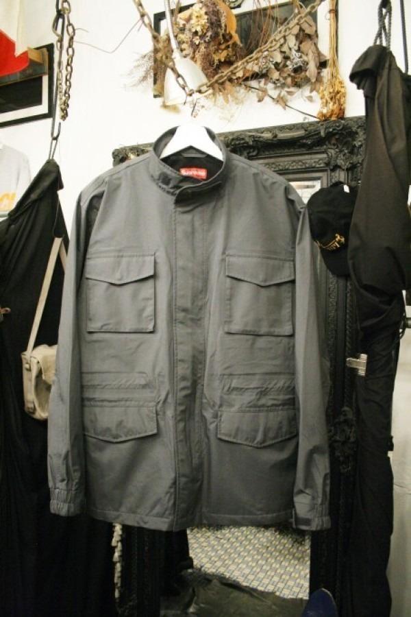 ヨーロッパ買い付け後記34 お待たせしました!恒例のアレ、出ます! 入荷SUPREME ジャケット、パンツ、キャップ、ニットキャップ_f0180307_19435730.jpg