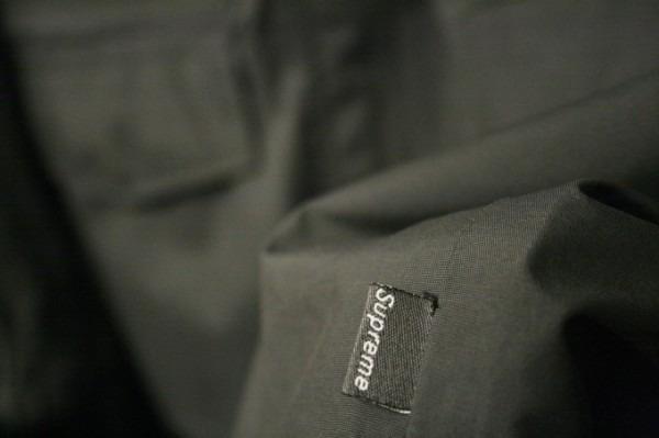 ヨーロッパ買い付け後記34 お待たせしました!恒例のアレ、出ます! 入荷SUPREME ジャケット、パンツ、キャップ、ニットキャップ_f0180307_19441434.jpg