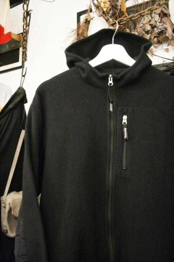 ヨーロッパ買い付け後記34 お待たせしました!恒例のアレ、出ます! 入荷SUPREME ジャケット、パンツ、キャップ、ニットキャップ_f0180307_20135711.jpg