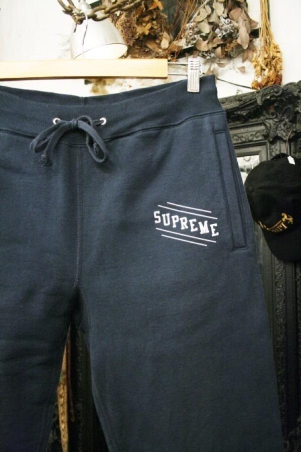 ヨーロッパ買い付け後記34 お待たせしました!恒例のアレ、出ます! 入荷SUPREME ジャケット、パンツ、キャップ、ニットキャップ_f0180307_20294042.jpg