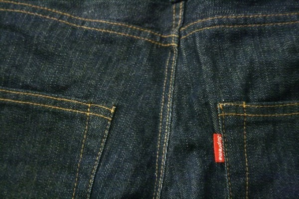 ヨーロッパ買い付け後記34 お待たせしました!恒例のアレ、出ます! 入荷SUPREME ジャケット、パンツ、キャップ、ニットキャップ_f0180307_20402959.jpg