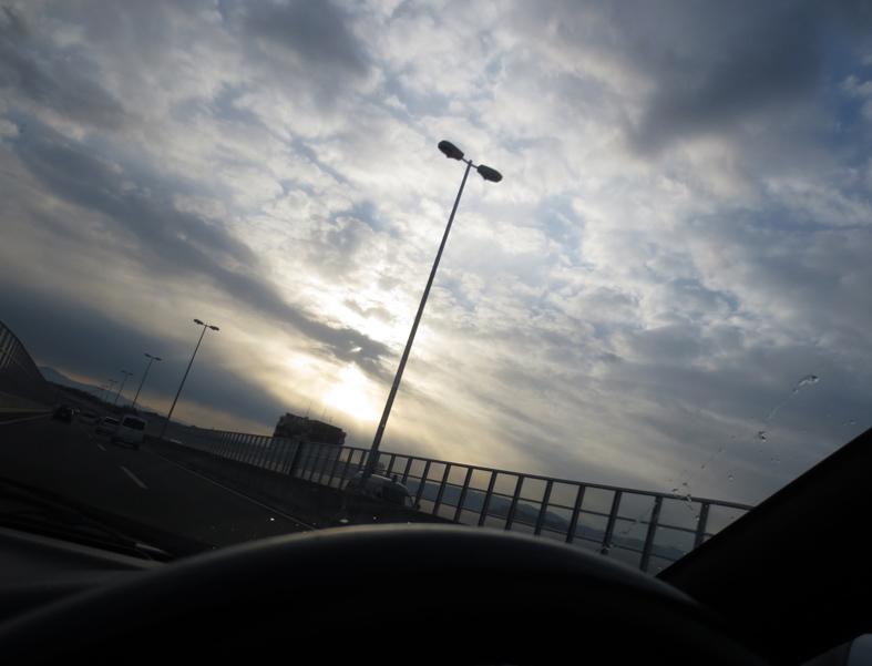 ■運転中だって……それに週替わりの夕暮れ[12/5-10]_d0190217_21214474.jpg