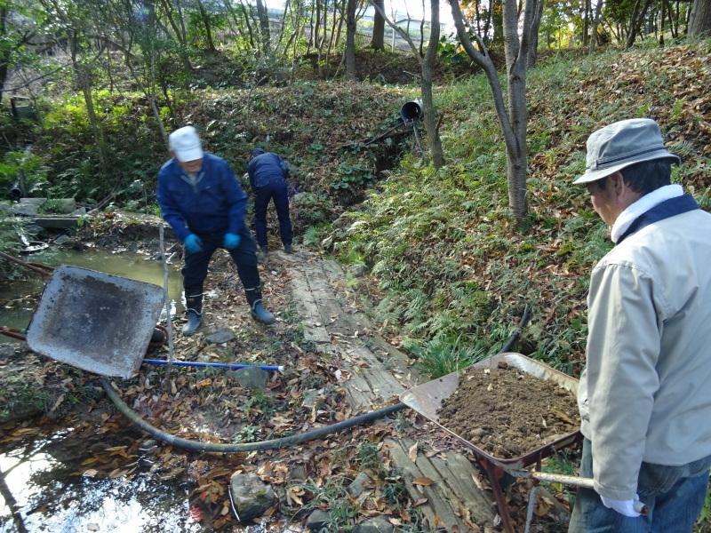 ビオトープ水漏れ個所の大補修・・・うみべの森_c0108460_20092148.jpg