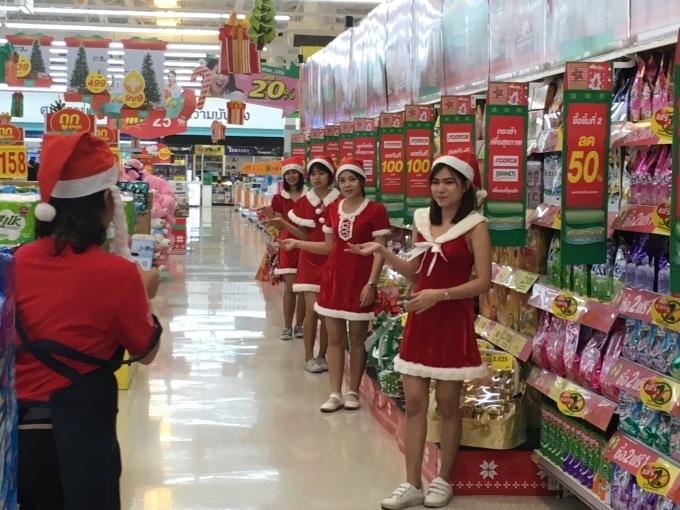 クリスマスのタイ_b0100062_15570383.jpg