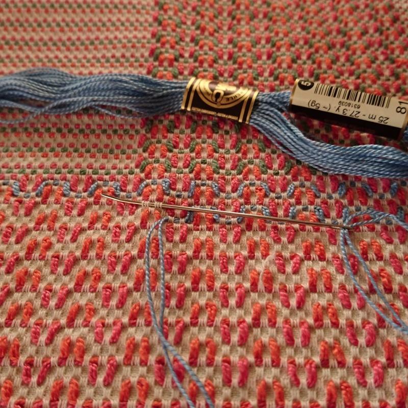 刺繍日和  スウェーデン刺繍を刺す毎日_f0361510_18362462.jpg
