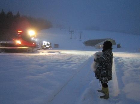 ヴィヴィの雪あそび(1)_b0177436_14191201.jpg