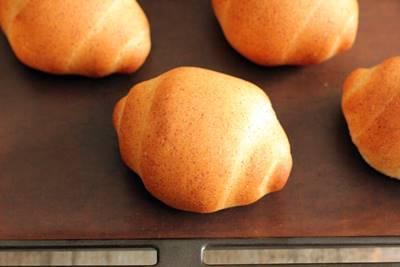 小麦胚芽入りロールパン_a0165538_11232715.jpg