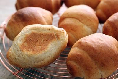 小麦胚芽入りロールパン_a0165538_11235034.jpg