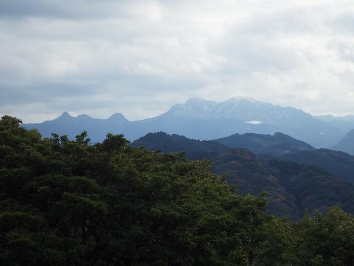 岩石山縦走_e0164643_1616392.jpg