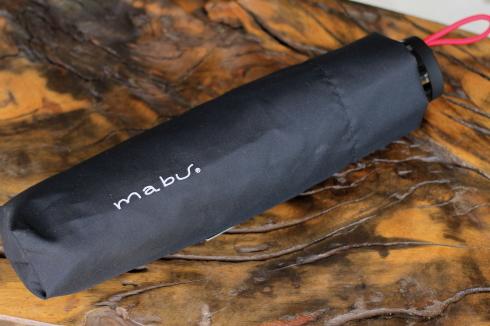 mabuの傘 人気のインディゴカラー&折り畳み傘 再入荷しました♪_d0108933_18020835.jpg