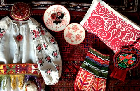 民族を彩る赤色の手仕事展 Folklore in Red vol.2_d0156336_00173381.jpg