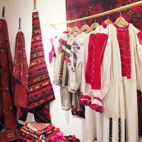 民族を彩る赤色の手仕事展 Folklore in Red vol.2_d0156336_11102885.jpg