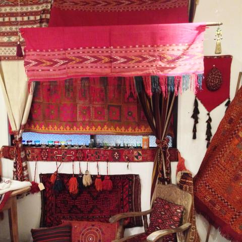 民族を彩る赤色の手仕事展 Folklore in Red vol.2_d0156336_11105956.jpg