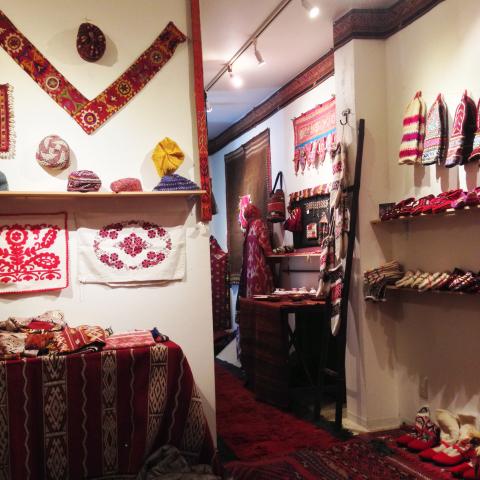 民族を彩る赤色の手仕事展 Folklore in Red vol.2_d0156336_11123527.jpg