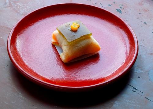 らくだの食パン、とも栄の生菓子、COFFEE WORKS PLUSの木次牛乳・・・高島の人と食_d0005250_1835181.jpg