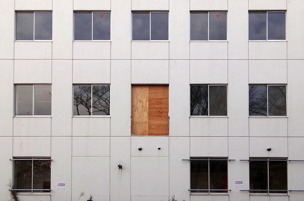 ドアがなくて..._b0114785_08222476.jpg