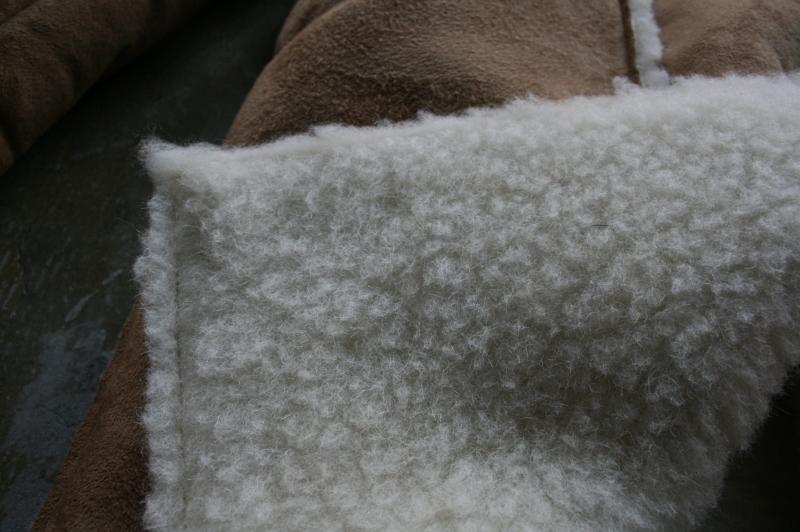第4051回 内側に施された羊の毛。_f0366424_13432037.jpg